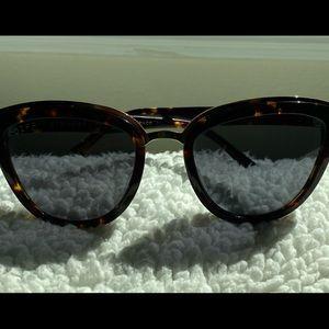 Diff Rose Polarized Sunglasses